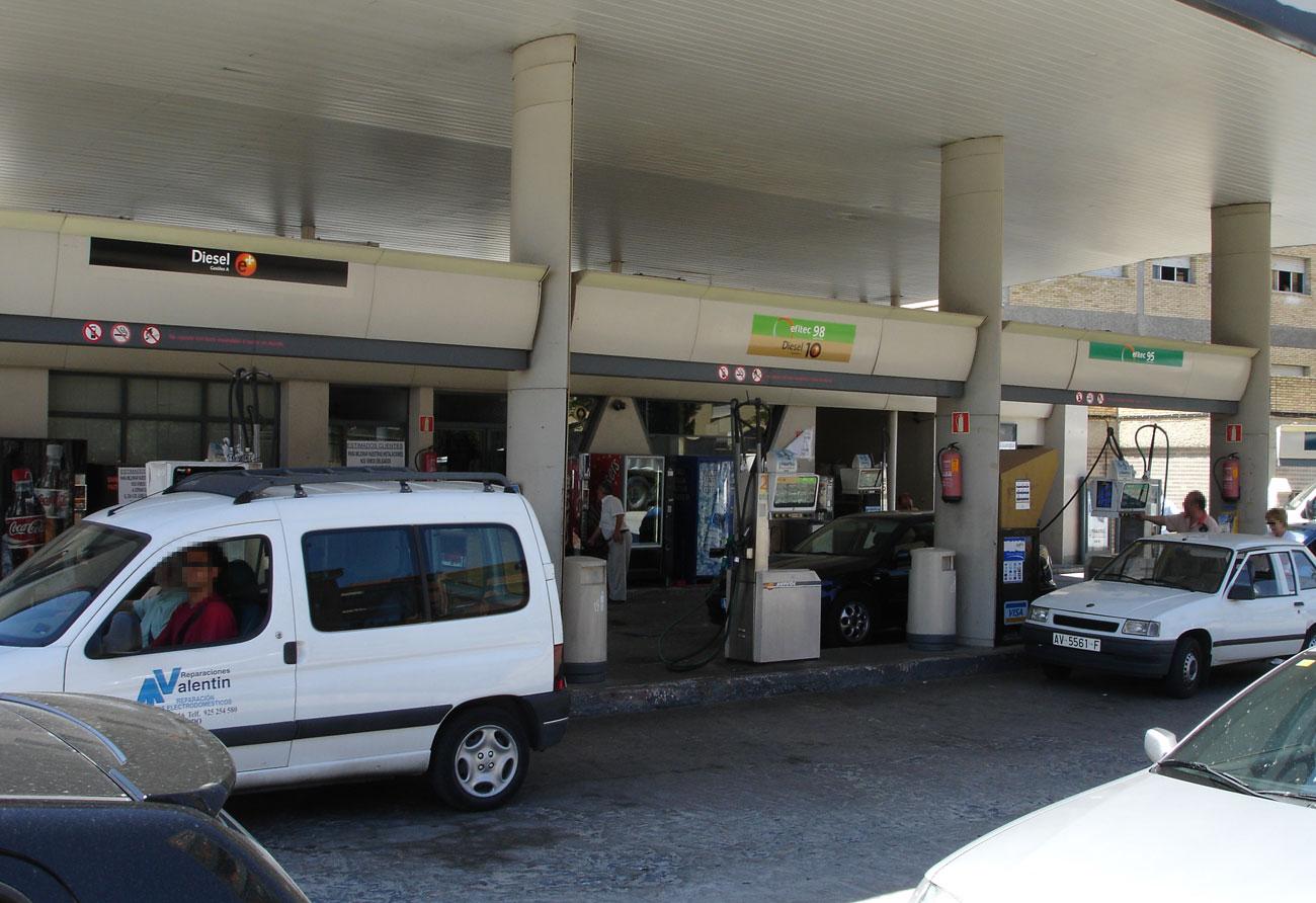 gasolinera-dosluises06